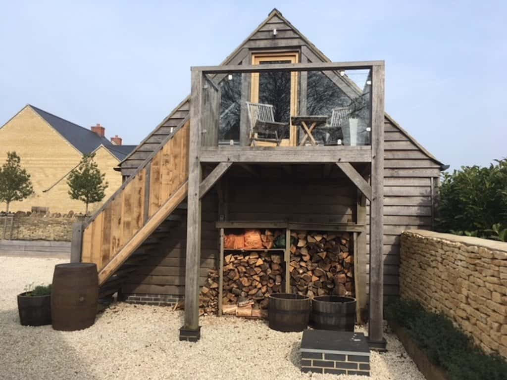 Self Contained Luxury Lodge with Hot Tub airbnb cotswolds