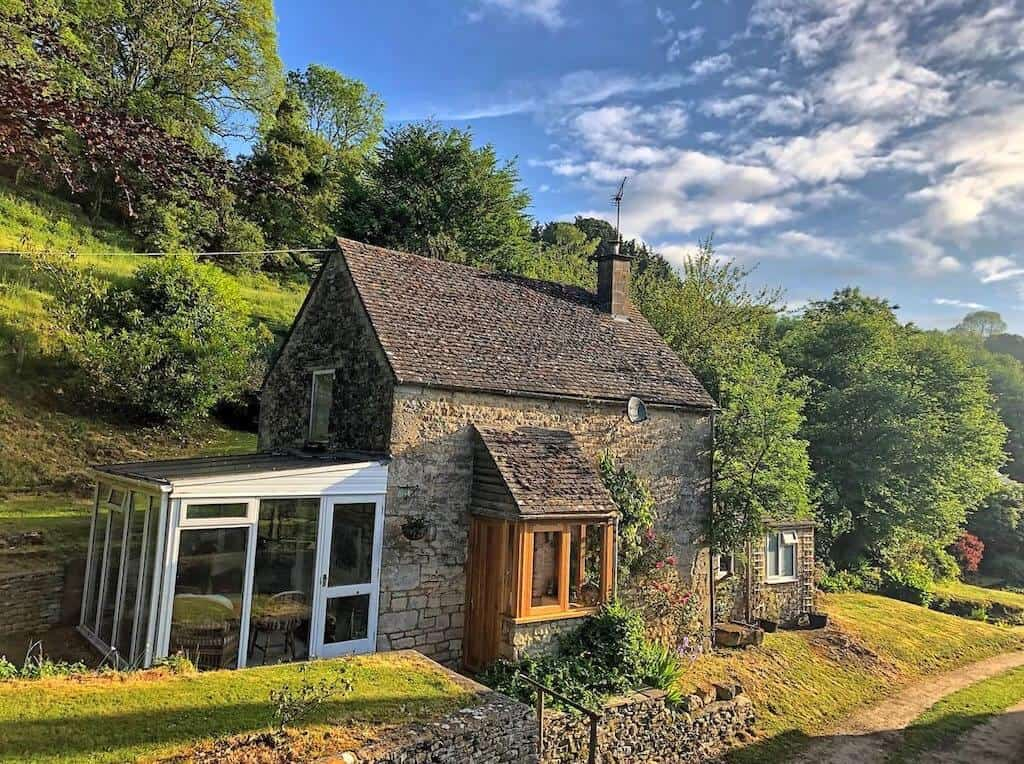 Cotswold stone cottage best value airbnb in cotswolds