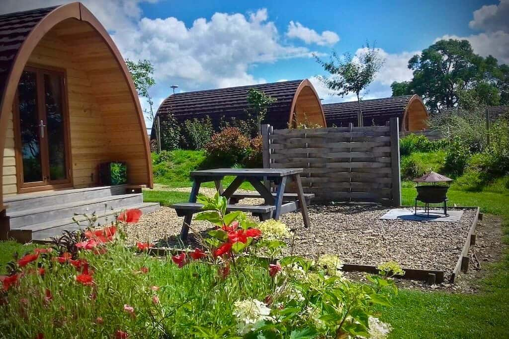 Willowherb pod cotswolds airbnb glamping
