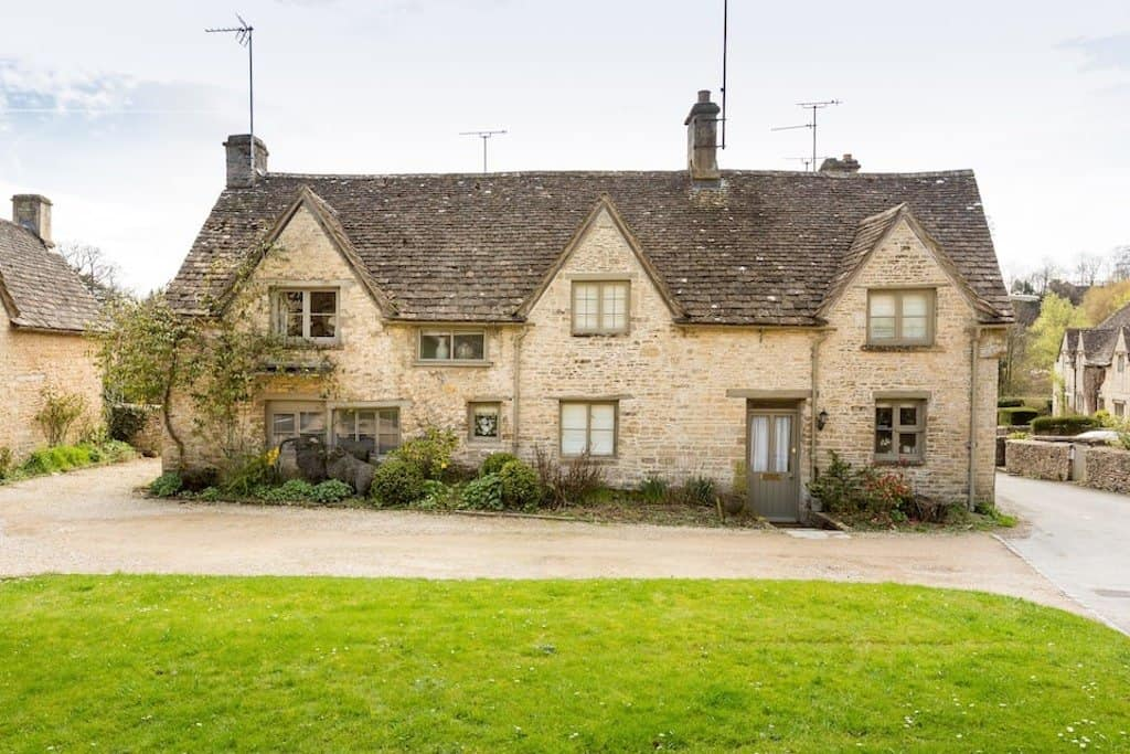 cotswold airbnb Bibury cottage to rent
