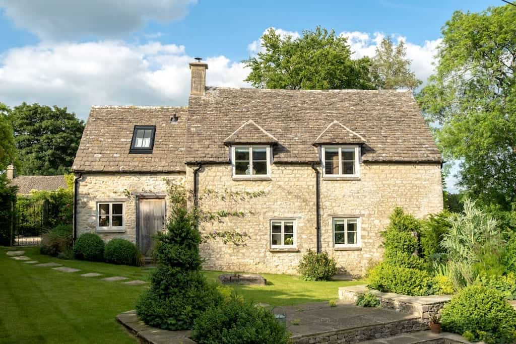 cotswold cabins with hot tubs cotswolds luxury cottages hot tub