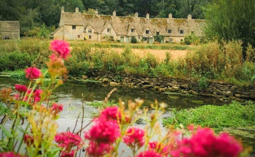 cottages in the cotswolds with hot tubs cotswold accommodation with hot tub