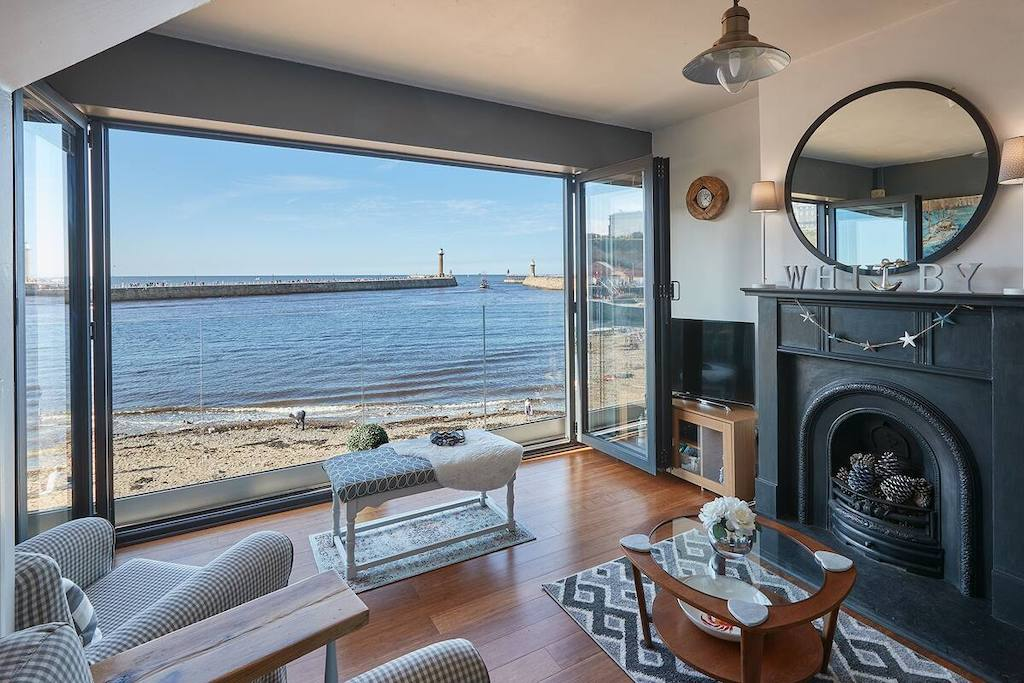 air b&b whitby cottages to rent on beach