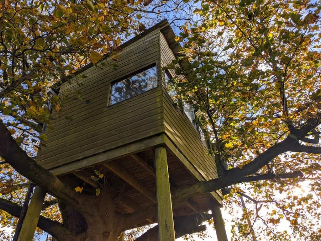 treehouse with hot tub uk treehouses to stay in