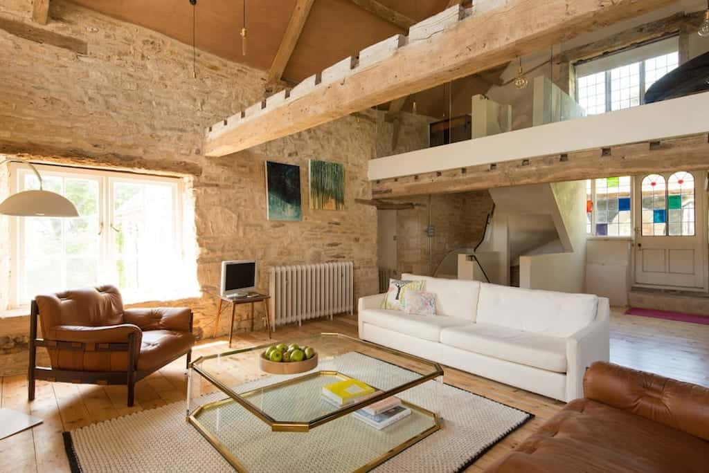 inside of cosy cottage in the cotswolds to rent as a cotswolds airbnb