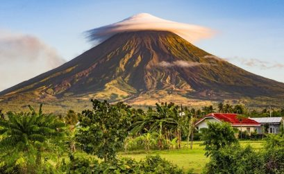 volcano in Legazpi Philippines called mt Mayon with a cloud on top
