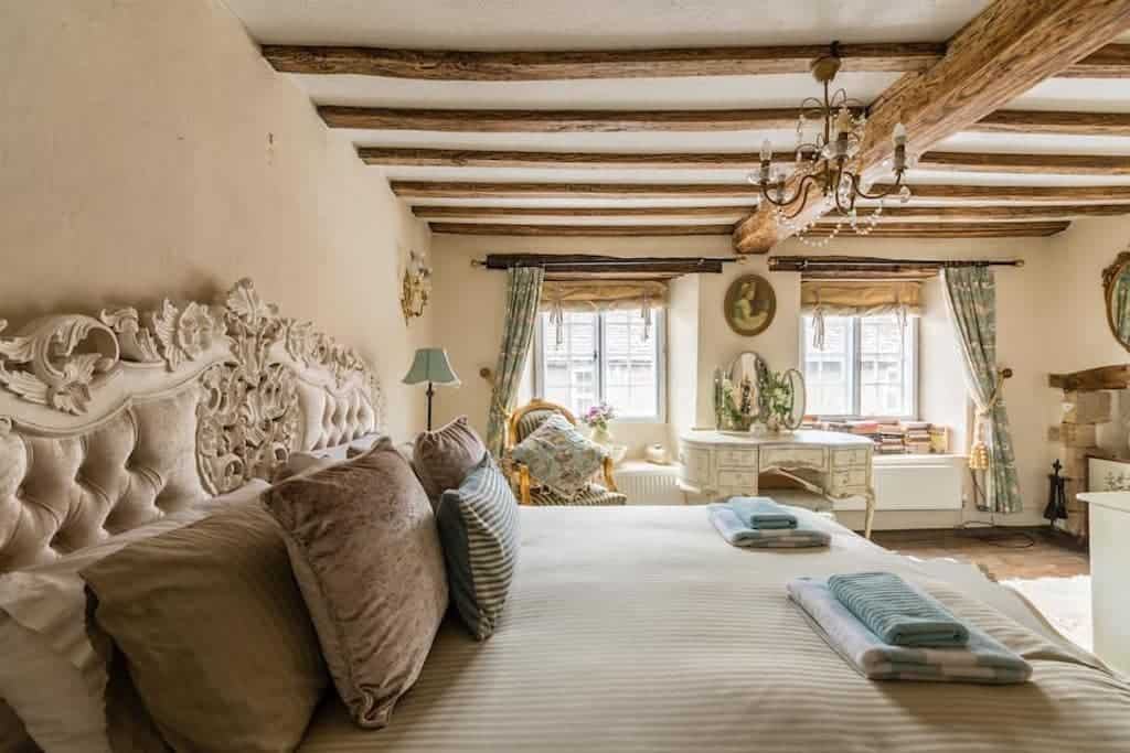 dog friendly airbnb cotswolds cottage in cotswolds airbnb