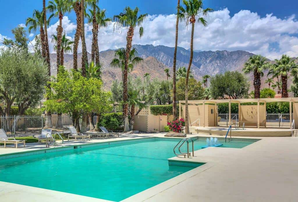 airbnb in palm springs airbnb and palm springs airbnbs
