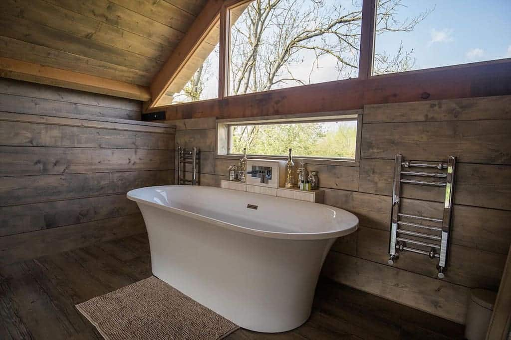 cotswold lodges with hot tubs